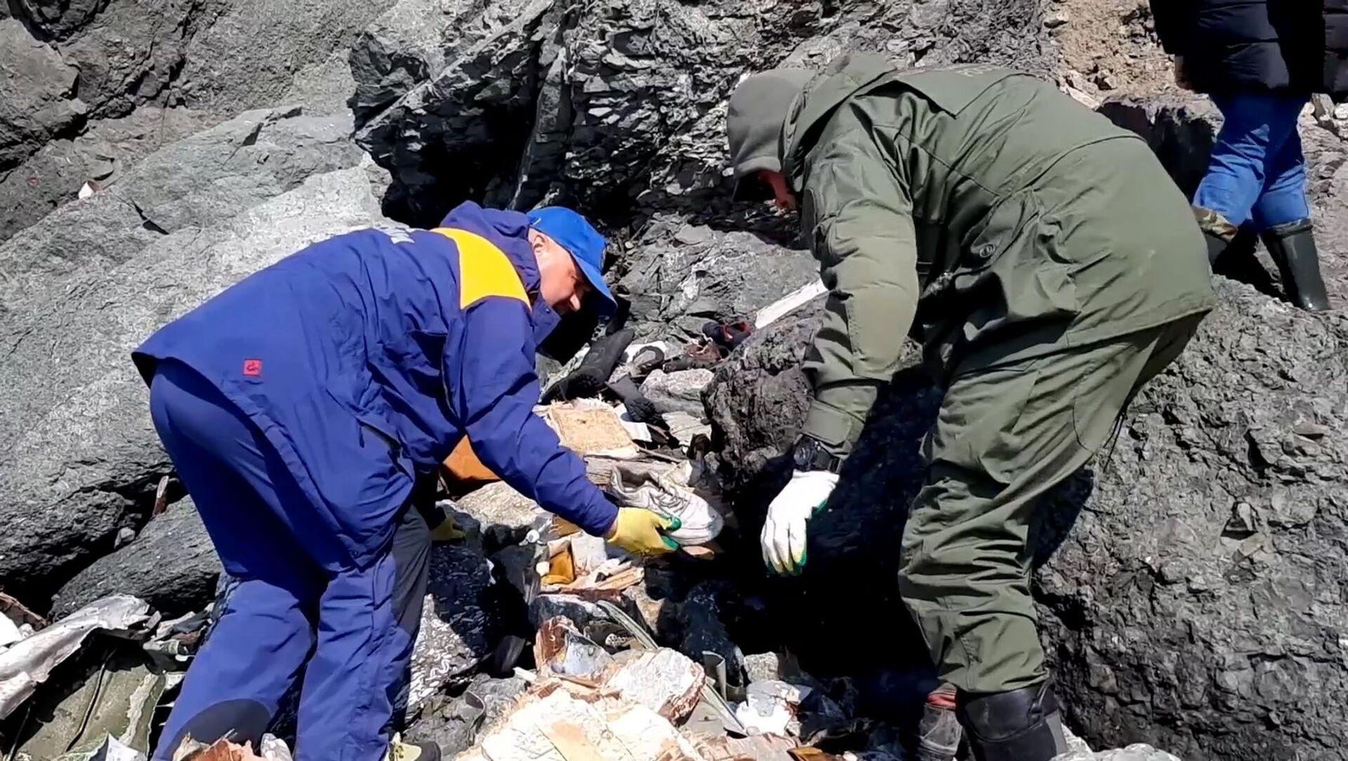 旅客機An-26の墜落現場での捜索活動 - Sputnik 日本, 1920, 09.07.2021