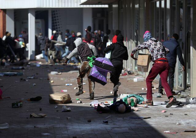 南アフリカで起こった暴動