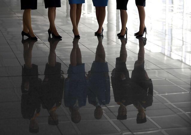ルフトハンザ 機内挨拶の「紳士淑女の皆さま」をジェンダー平等の表現に変更へ