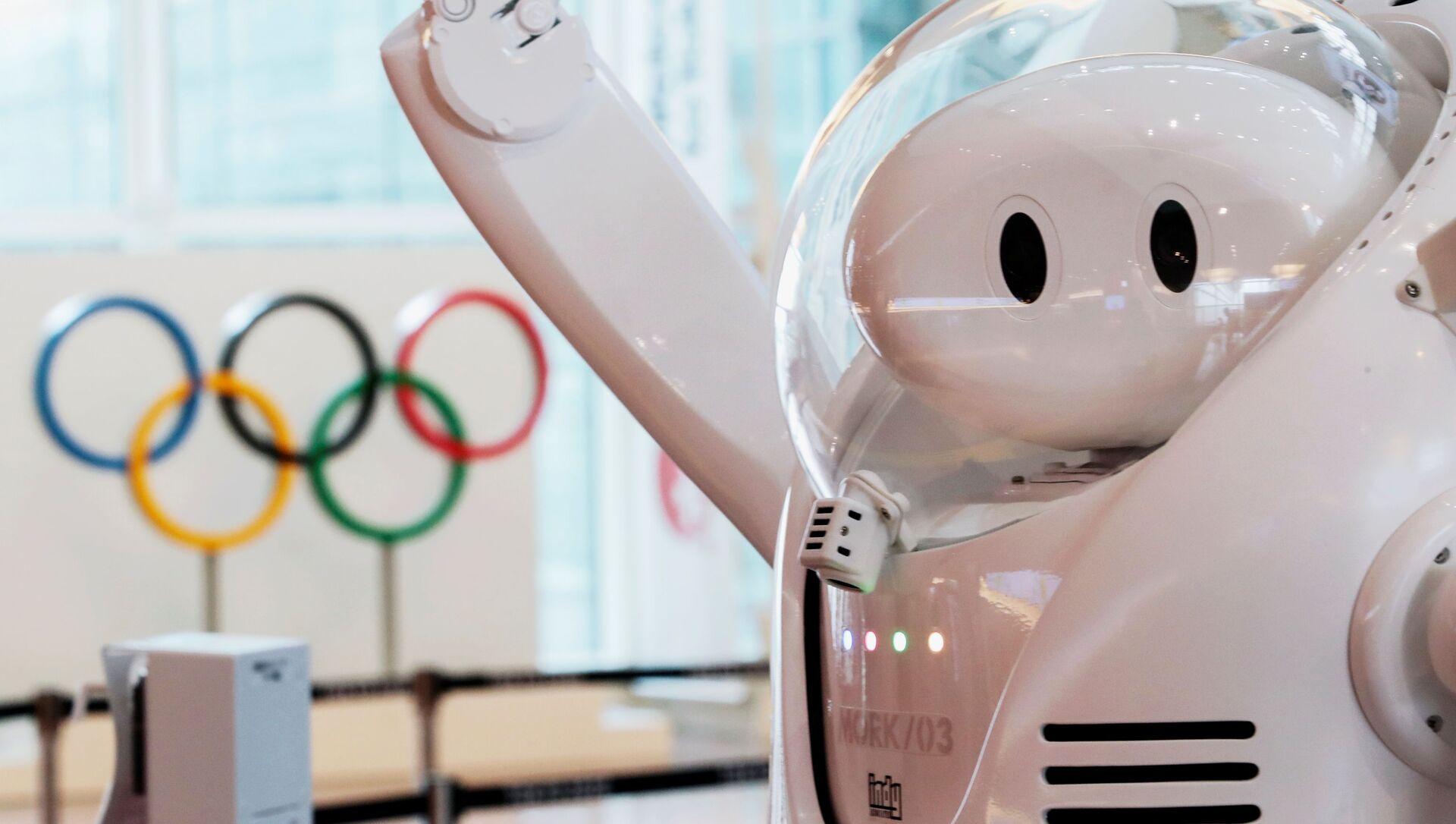 Робот у информационной стойки в аэропорту Haneda  - Sputnik 日本, 1920, 23.07.2021