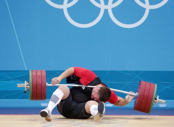 2012年ロンドンオリンピック(第30回大会)の重量挙げ男子105キロ超級に出場するドイツのマタイアス・ステイナー選手 - Sputnik 日本