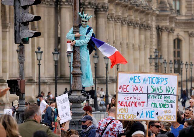 パリでの抗議運動(17日)