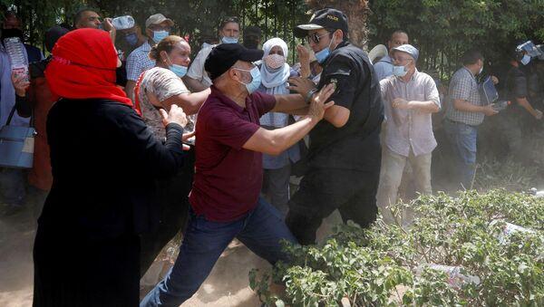 北アフリカ・チュニジア 大統領が行政府解体と議会停止 最大政党はクーデターと非難 - Sputnik 日本