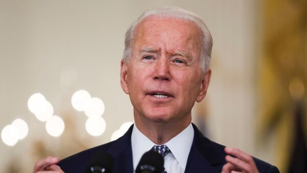 U.S. President Joe Biden answers questions from reporters in the East Room of the White House in Washington, U.S., August 10, 2021. - Sputnik 日本