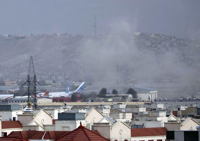 カブールで爆発 12人死亡、32人負傷