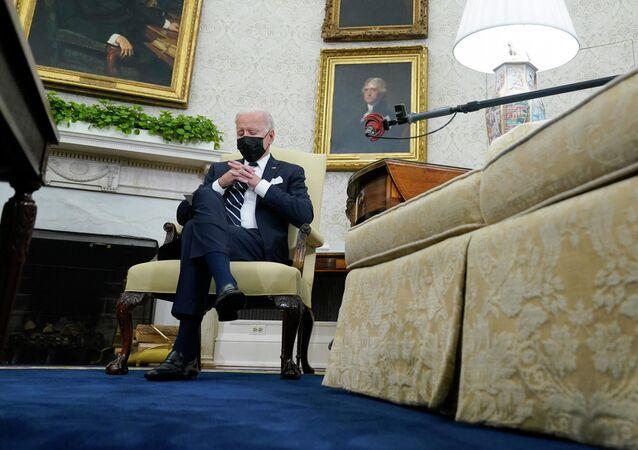 バイデン米大統領 イスラエル首相との会談中に居眠りか?
