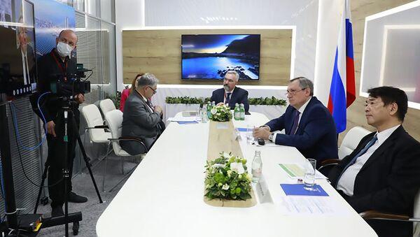 ロシアのエネルギー相、ニコライ・シュルギノフ氏が日本の経済産業相、梶山弘志氏とビデオ形式で会談 - Sputnik 日本