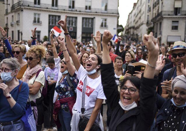 ブリュッセルで欧州全体としてのコロナ規制抗議デモ