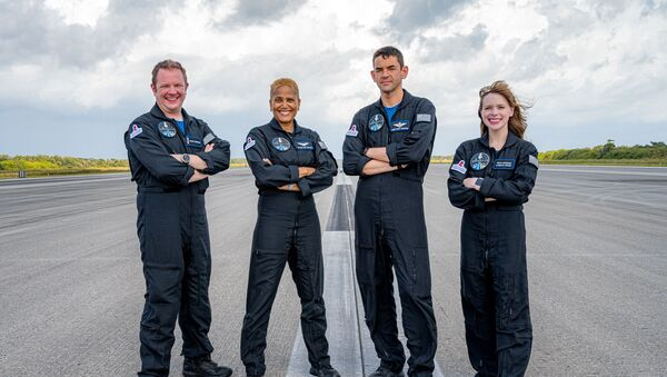 宇宙旅行者:スペースX、乗客4人を乗せた宇宙船クルードラゴン打ち上げ 宇宙旅行ミッション「Inspiration4」 - Sputnik 日本
