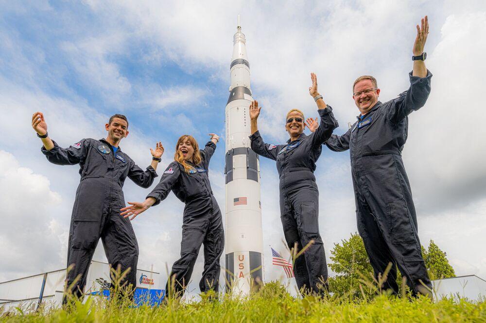 宇宙旅行ミッション「Inspiration4」の乗客(クリス・センブロスキー氏、ショーン・プロクター氏、ジャレド・アイザックマン氏、ヘイリー・アルセノー氏)