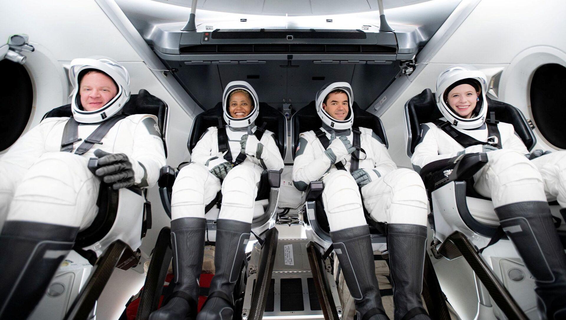 宇宙旅行者:スペースX、乗客4人を乗せた宇宙船クルードラゴン打ち上げ 宇宙旅行ミッション「Inspiration4」 - Sputnik 日本, 1920, 18.09.2021