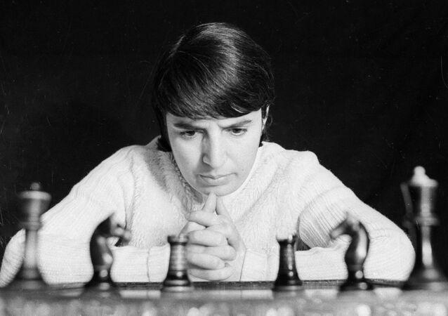 80歳のグルジア人女性チェスプレイヤー 自分の長所を過小評価したネットフリックスに500万ドルの賠償金求める