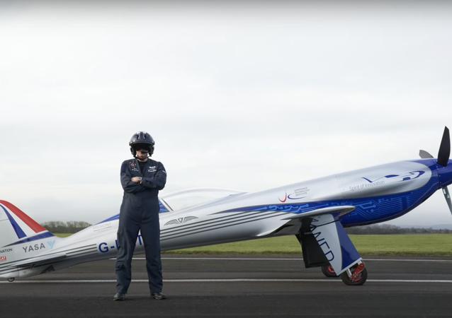 ロールスロイス 電気航空機の初飛行テストを実施