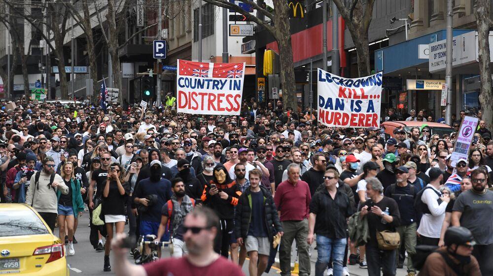 オーストラリア・メルボルンで行われたロックダウン反対デモに集まったデモ参加者