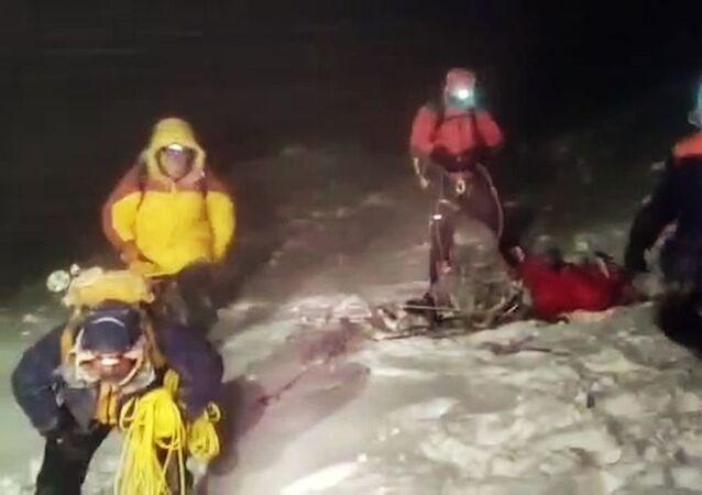 エルブルス山で登山グループが遭難
