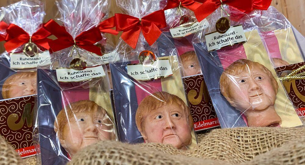 ぬいぐるみ、マジパン、ろう人形: 16年にわたるメルケル政権時代を記念するドイツ