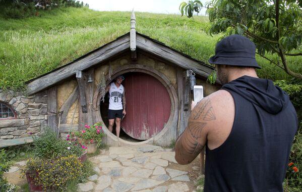 『ホビット』のロケ地となったニュージーランドのワイカト地方・マタマタ近郊に広がる牧草地のホビット村 - Sputnik 日本