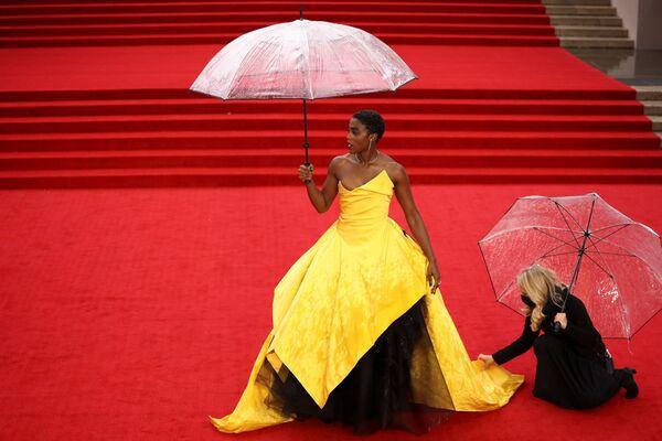 英ロンドンのロイヤル・アルバート・ホールで開催された映画『007/ノー・タイム・トゥ・ダイ(No Time To Die)』のワールドプレミアに出席したイングランドの女優、ラシャーナ・リンチさん - Sputnik 日本