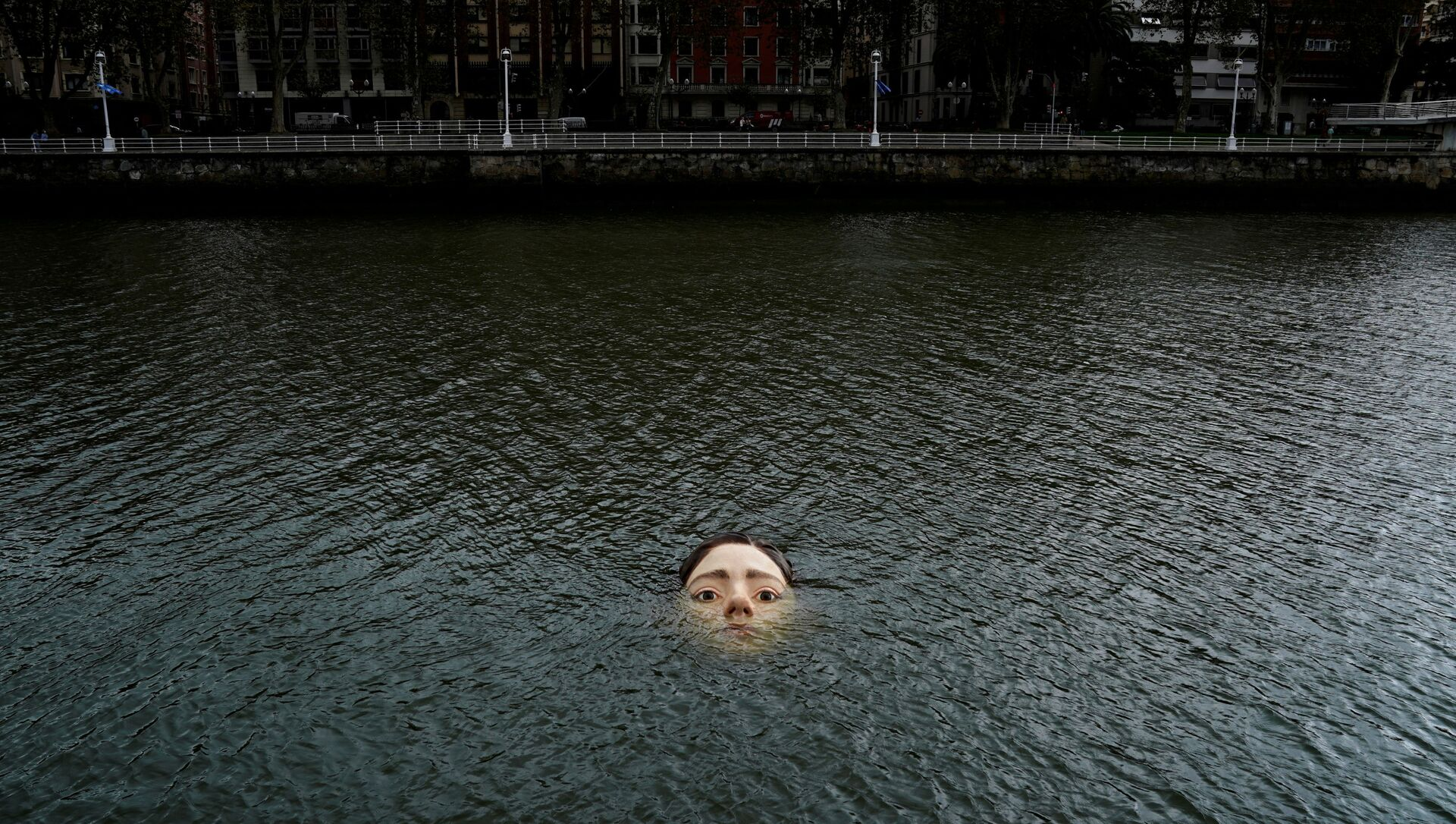 スペイン・ビルバオ市河川の「溺れる少女」プロジェクト主催者:私たちみんな、そして未来のため - Sputnik 日本, 1920, 01.10.2021