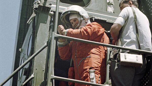 ソ連の宇宙船「ボストーク6号」に搭乗する世界初の女性宇宙飛行士、ワレンチナ・テレシコワ氏(1963年6月16日) - Sputnik 日本