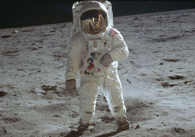NASAの宇宙飛行士 宇宙船墜落時の救助をロシア語で感謝