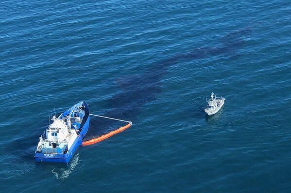 カリフォルニア沖に流出する原油 - Sputnik 日本