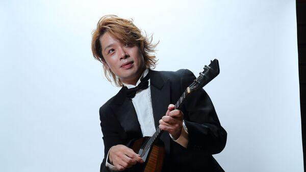 バラライカ奏者の北川翔さん - Sputnik 日本