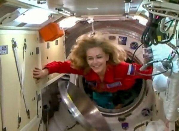 映画撮影のため国際宇宙ステーション(ISS)に入るロシアの女優、ユリア・ペレシルドさん - Sputnik 日本