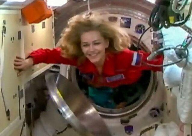 映画撮影のため国際宇宙ステーション(ISS)に入るロシアの女優、ユリア・ペレシルドさん