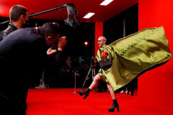 フランス・パリで開催された2022年春夏パリ・ファッションウィークに到着したゲスト - Sputnik 日本