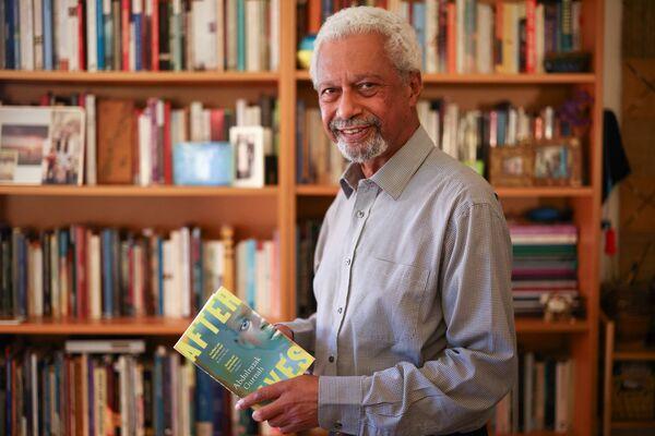 ノーベル文学賞を受賞したタンザニア出身の小説家、アブドゥルラザク・グルナ氏(7日、英イングランド・カンタベリーの自宅にて) - Sputnik 日本