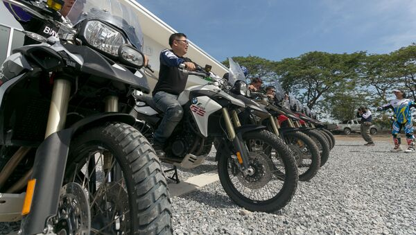 タイ 違法ストリートレース取締りに30万台超のバイク押収 - Sputnik 日本