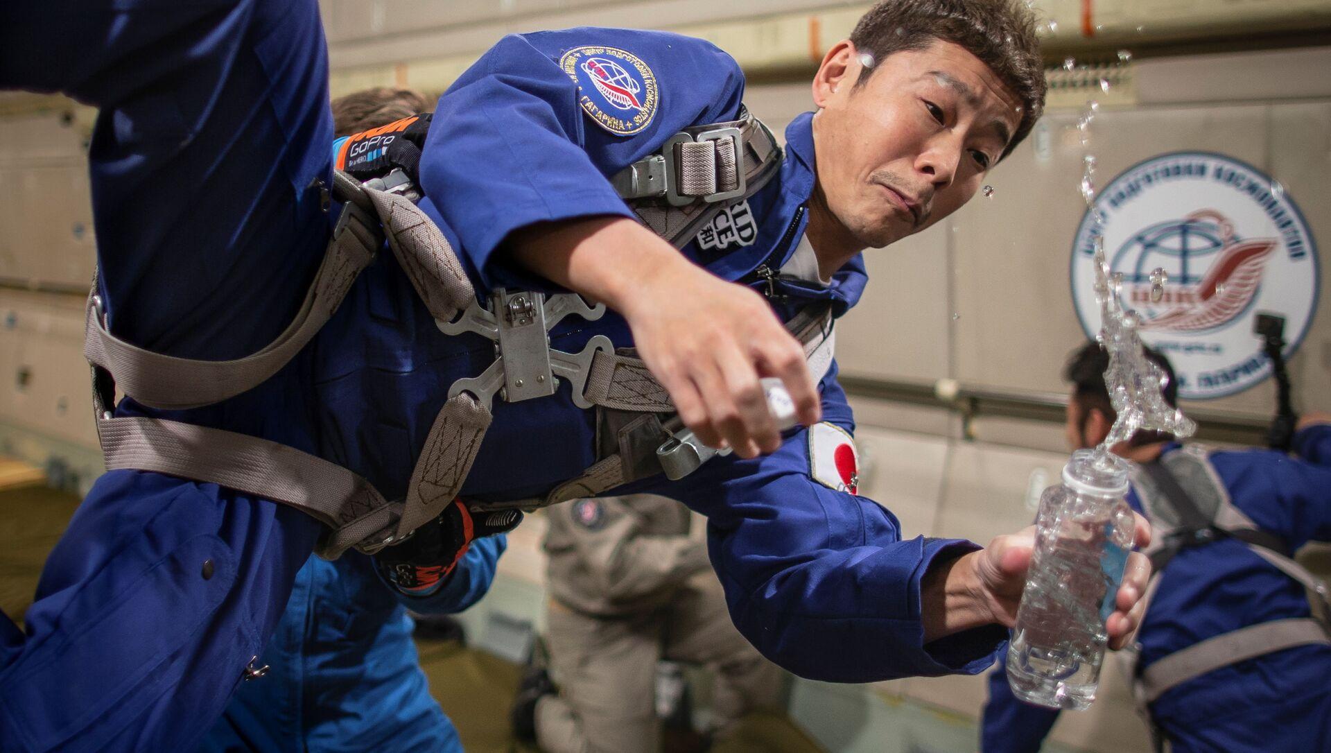 モスクワ郊外で無重力飛行の訓練をする前澤友作氏 - Sputnik 日本, 1920, 15.10.2021