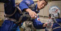 モスクワ郊外で無重力飛行の訓練を受ける前澤友作氏