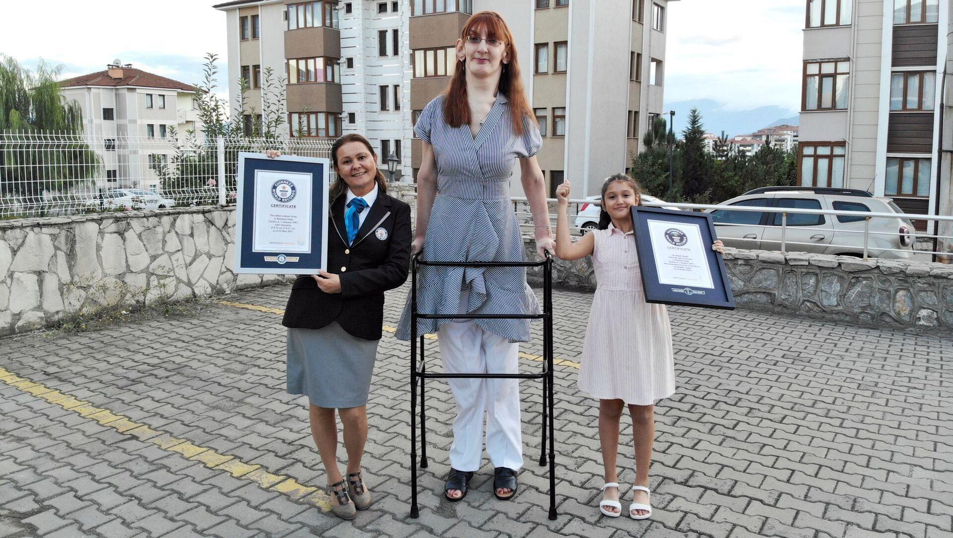身長215.16センチのトルコ人女性 - Sputnik 日本, 1920, 14.10.2021