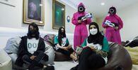 アラブ首長国連邦(UAE)のアブダビにある韓国文化センターで、『イカゲーム』をプレイするプレイヤー