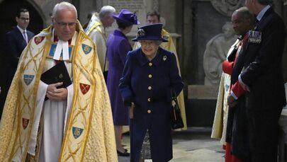英ロンドンのウェストミンスター寺院で、王立英国在郷軍人会100周年の記念行事に出席したエリザベス女王