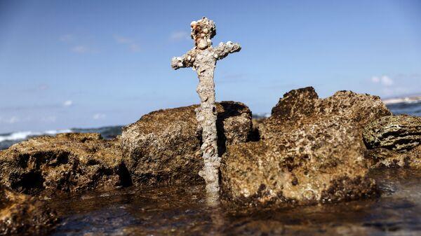 Меч, предположительно принадлежавший крестоносцу, найденный в Средиземном море - Sputnik 日本