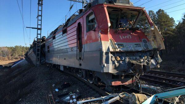 トラックの運転手が列車と衝突して死亡 車両14両が脱線 ロシア - Sputnik 日本