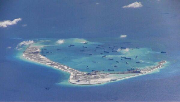 Китайские корабли у спорных островов Спратли в Южно-Китайском море - Sputnik 日本