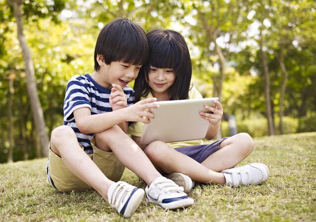 中国 児童のストリーミング配信参加を禁止