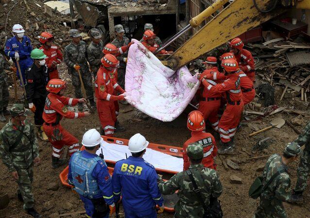 中国・蘇州でホテル倒壊
