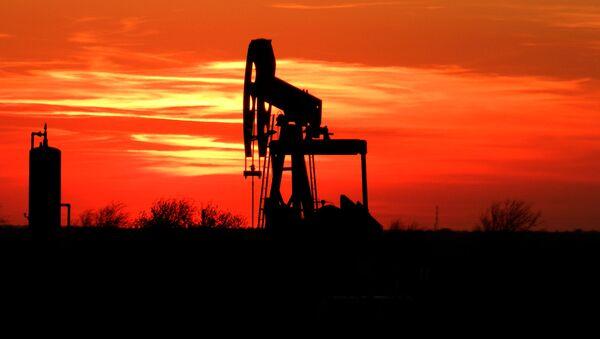 経済学者:原油安は底なしのような気がする - Sputnik 日本