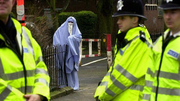 英語を話せないイスラム教徒の女性 英国から国外退去の可能性 - Sputnik 日本