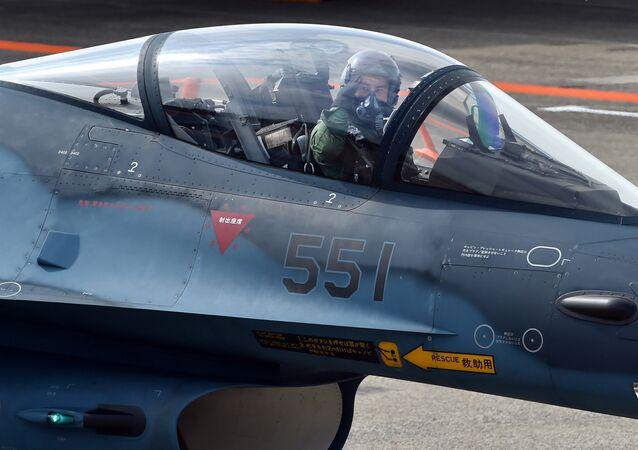 多目的戦闘機F-2