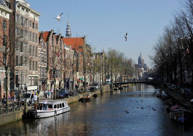 アムステルダム市 あと11年でガソリン、ディーゼル車の乗り入れを全面禁止