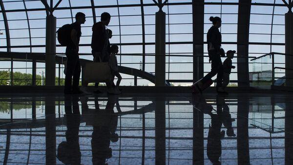 成田空港国際線、自動手荷物預け機を初導入 1分で手荷物預けへ - Sputnik 日本