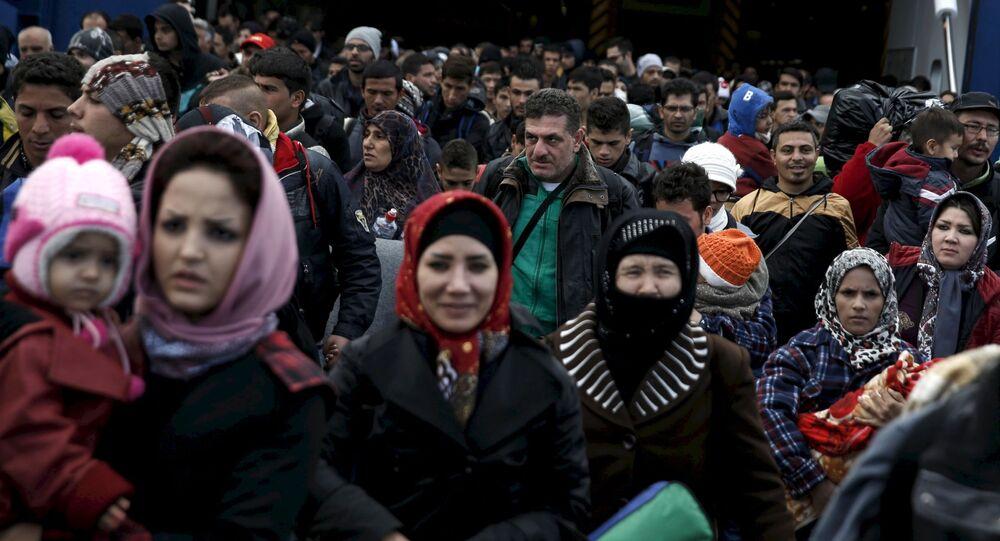 欧州委員会 難民受け入れを拒否する国々に一人につき25万ユーロの罰金導入