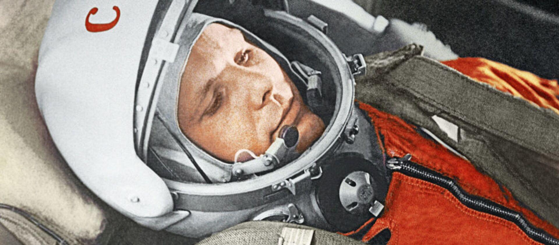 """Летчик-космонавт Юрий Гагарин в кабине космического корабля """"Восток"""" - Sputnik 日本, 1920, 20.05.2021"""