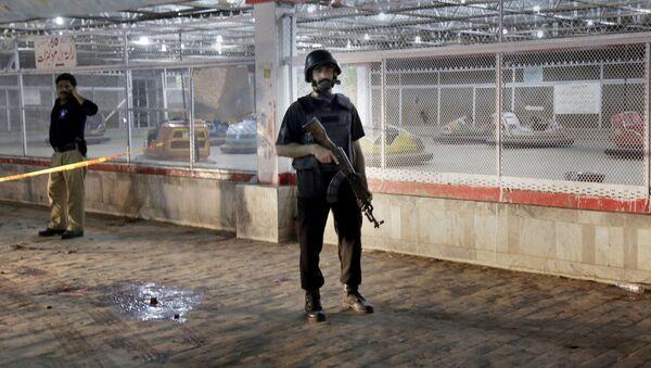 Полиция на месте теракта в Лахоре - Sputnik 日本